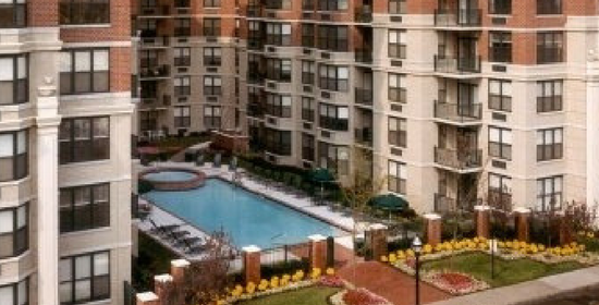 Pet-Friendly-Apartments-in-Port-Imperial-West-NY-NJ.png